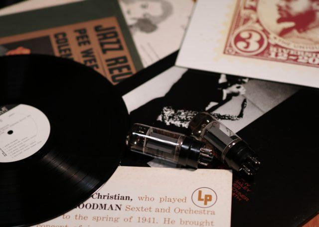 メンテが命!最近大人気「アナログプレーヤーとレコード盤」の保管方法