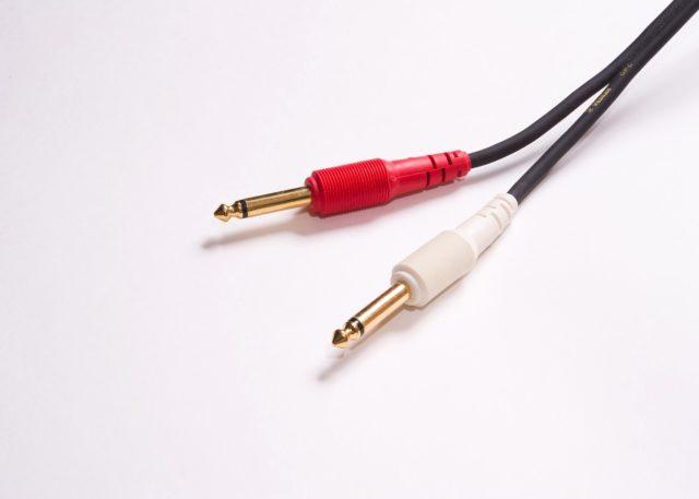 【初心者・女性向け】もう、ケーブル接続では悩まない 「オーディオ用端子・AV端子 まとめ」